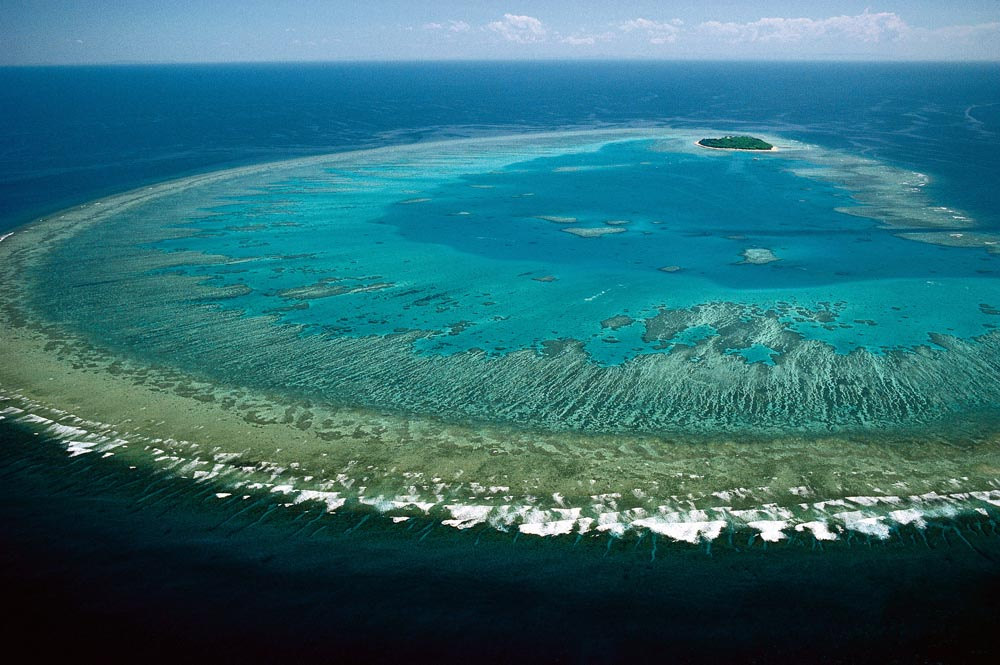 The Great Barrier Reef from above © Lock the Gate Alliance