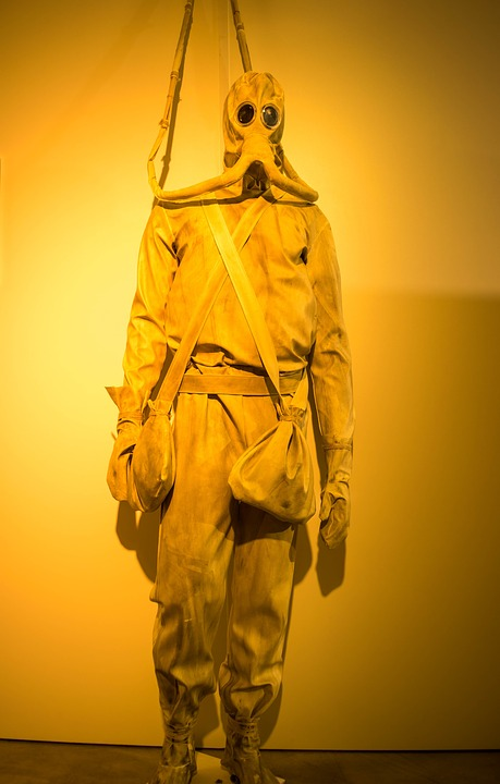 Looking like a post-apocalyptic nuclear suit. This dive design was the suit of nightmares. © Wikimedia Commons