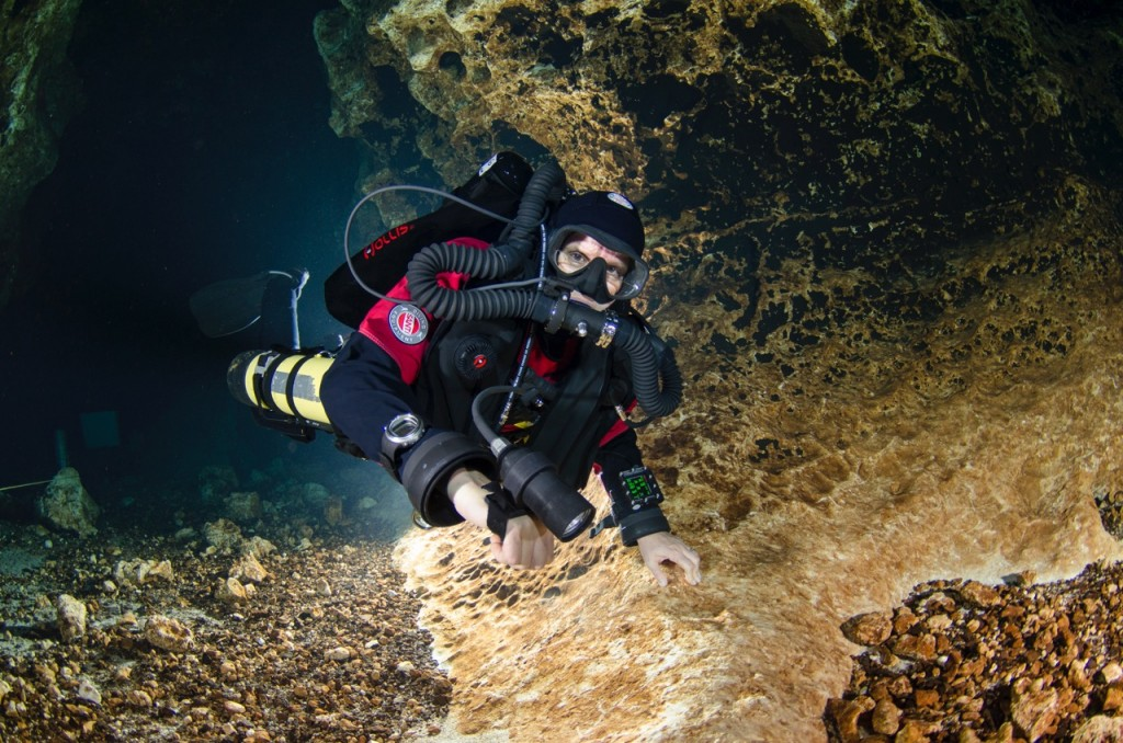 Jill diving near her home at Devil's Ear Cave © Mark Long